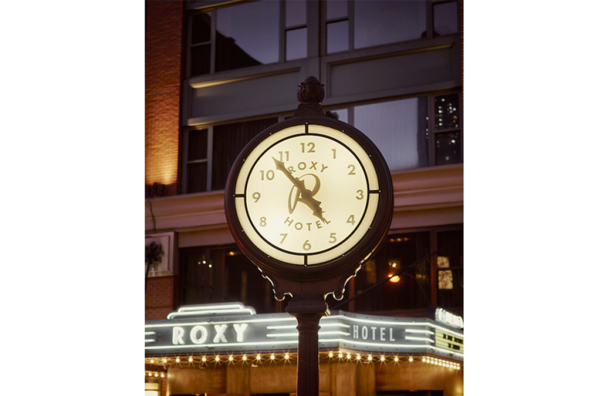 Roxy-Clock-The-Roxy-Hotel-1024x683-1200x800-c-default.jpg
