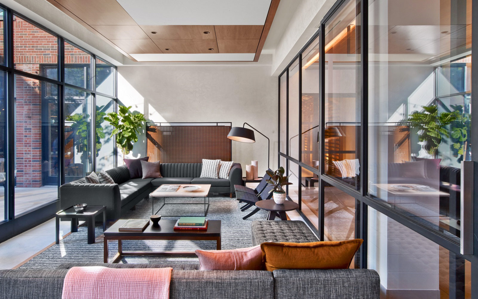 13-arlo-hudson-square-living-room-wide-view-1600x1000-1.jpg