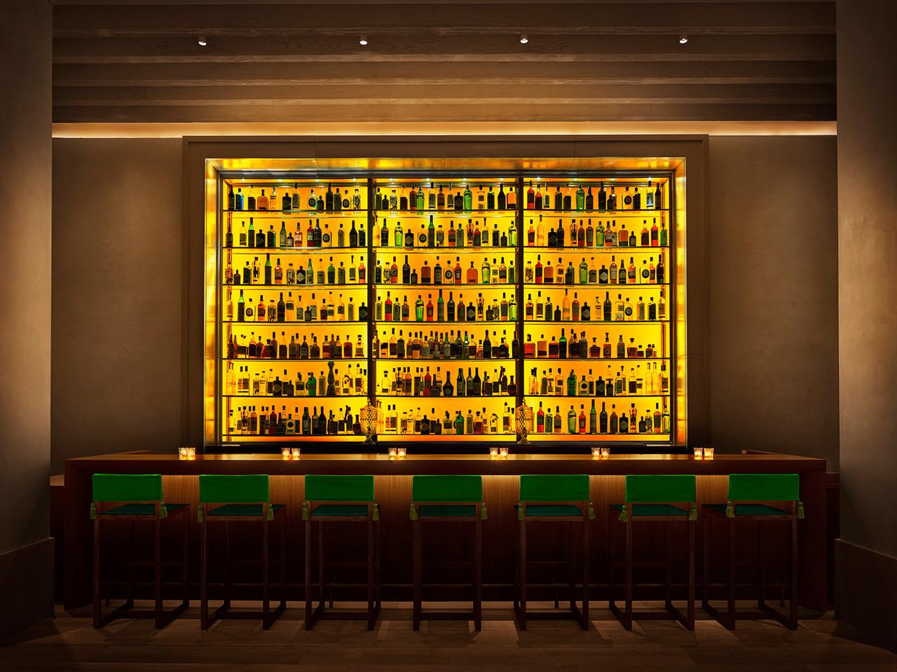 Lobby-Bar-1870x1400.jpg