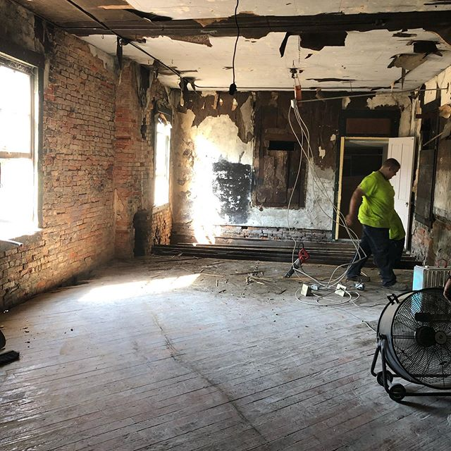 A big THANKS to all those asking how progress is going...up until today not much has happened, but the demo has finally begun!! Behind the drywall were 3 fireplaces original to the 1890 structure!!! I hope to save what I can and maybe expose those again.... but we'll see! #renovation #demo #newshop #letterpress #wip