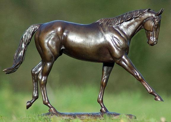 horse-bronze-statue-zenyatta