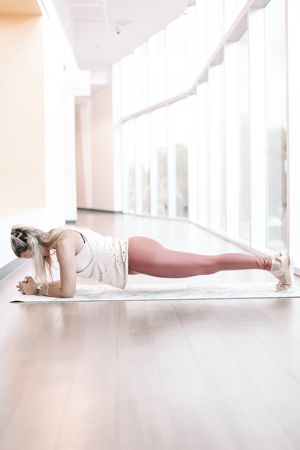 1. Planks: 3 sets of 1 min each. ( You might not be able to get to 1 minute when you start so start off with whatever you can and 1 minute should be your goal.)