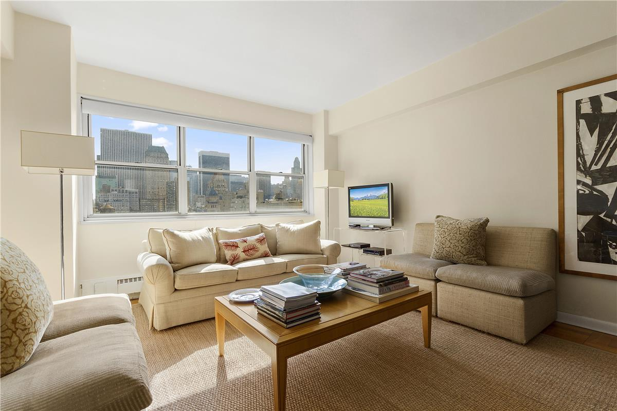 20 East 68th Street, Apt 16D | Represented Buyer | $1,300,000