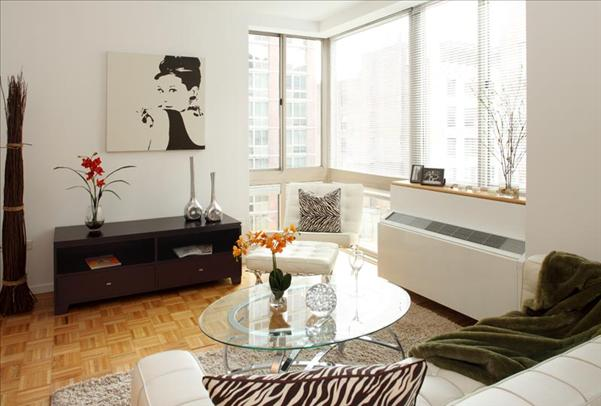 777 Sixth Avenue, Apt 20H | Represented Tenant | $4,485/month