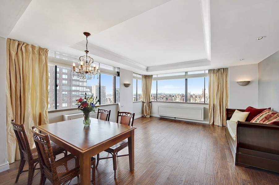 45 West 67th Street, Apt 30E | Represented Buyer | $1,215,000