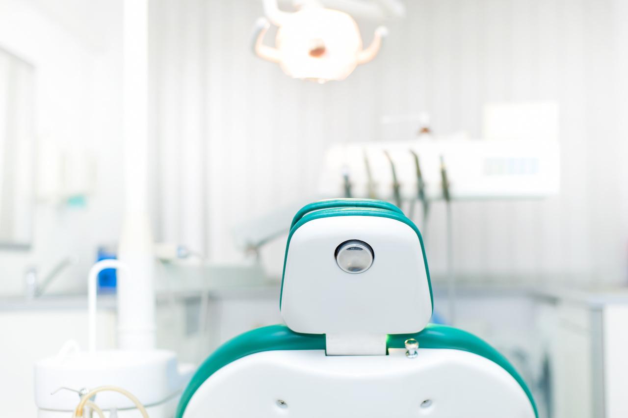 03 Clipart dental chair small sz.jpg