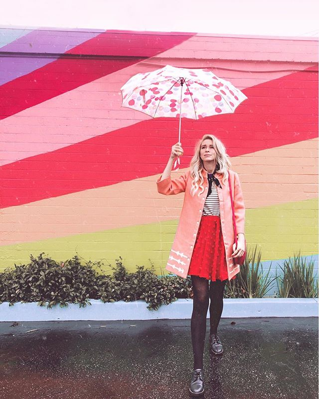 Rare footage of me out in the rain. Does anyone else feel squashed and drained creatively when it rains? Or do you love it? 🤔 I'm looking forward to some sunny days! #modclothsquad #rainydayoutfit