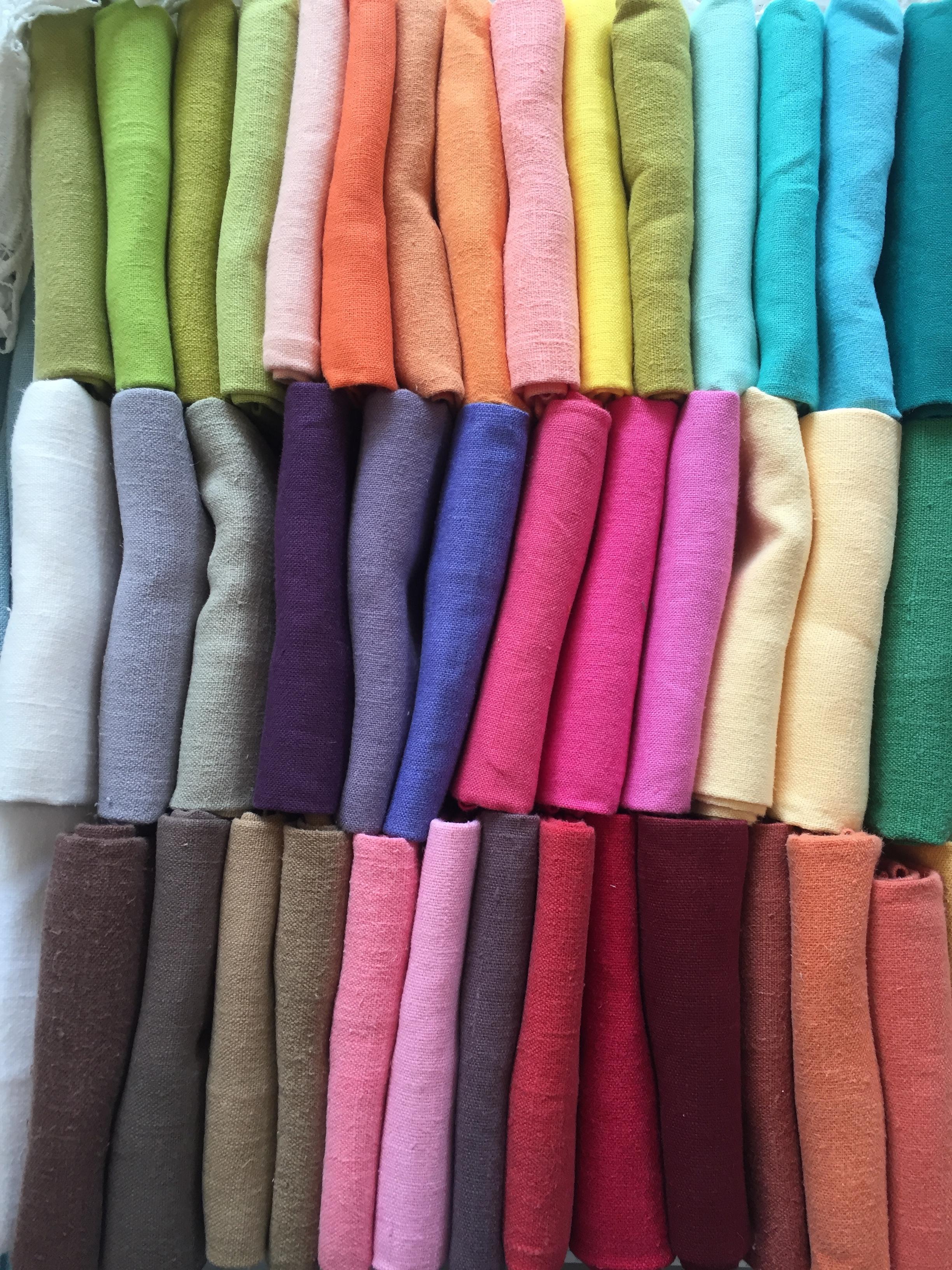 colored napkins in LA.JPG