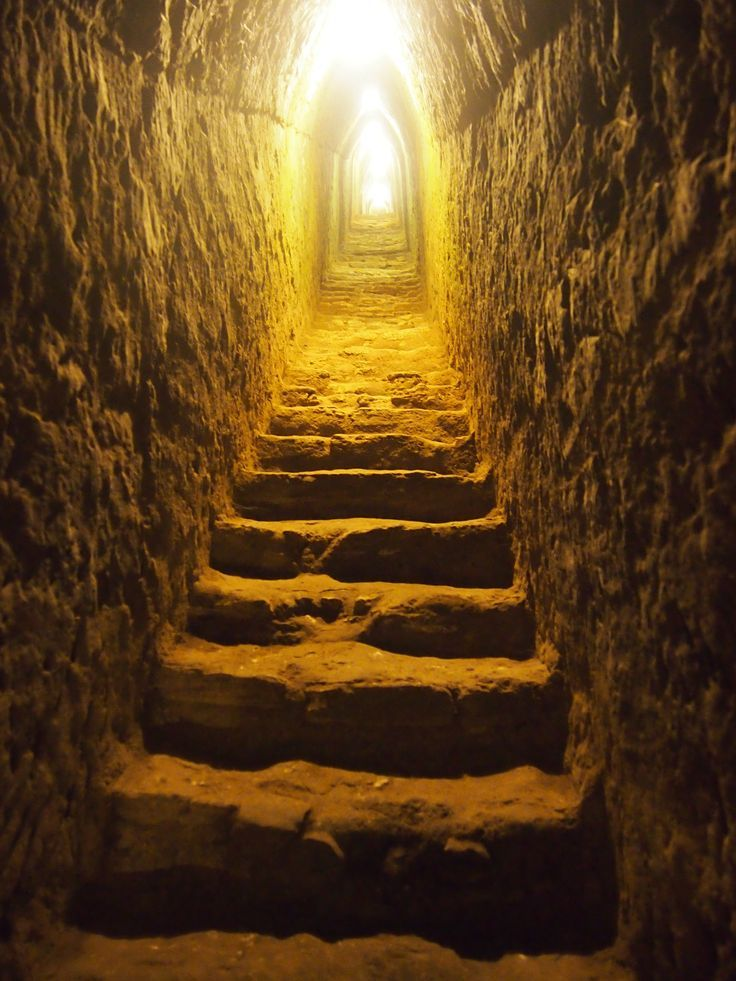 Passage dans la pyramide de Guizée, Egypte .