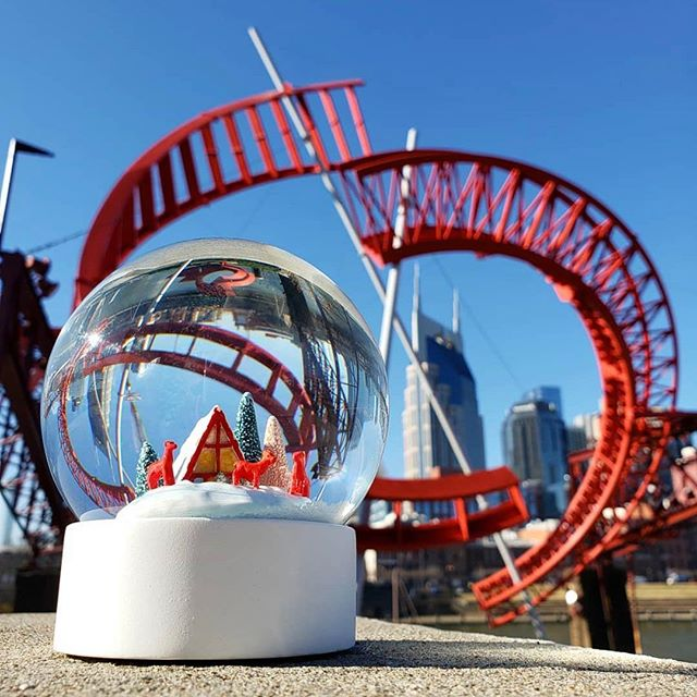 A Nashville kind of Christmas❤️ 📸: @realmelissaf thanks for visiting! #nashville #nashvillelove • . . . . . #downtownnashville #fifthandb #snowglobe #nashvillechristmas #spreadjoy #picoftheday #musiccity #countrymusic #nashvillescene #happyholidays #almostnewyear #joy #happy #nashvillepics #visitnashville #comingin2020 #broadway #fifthandbroadway
