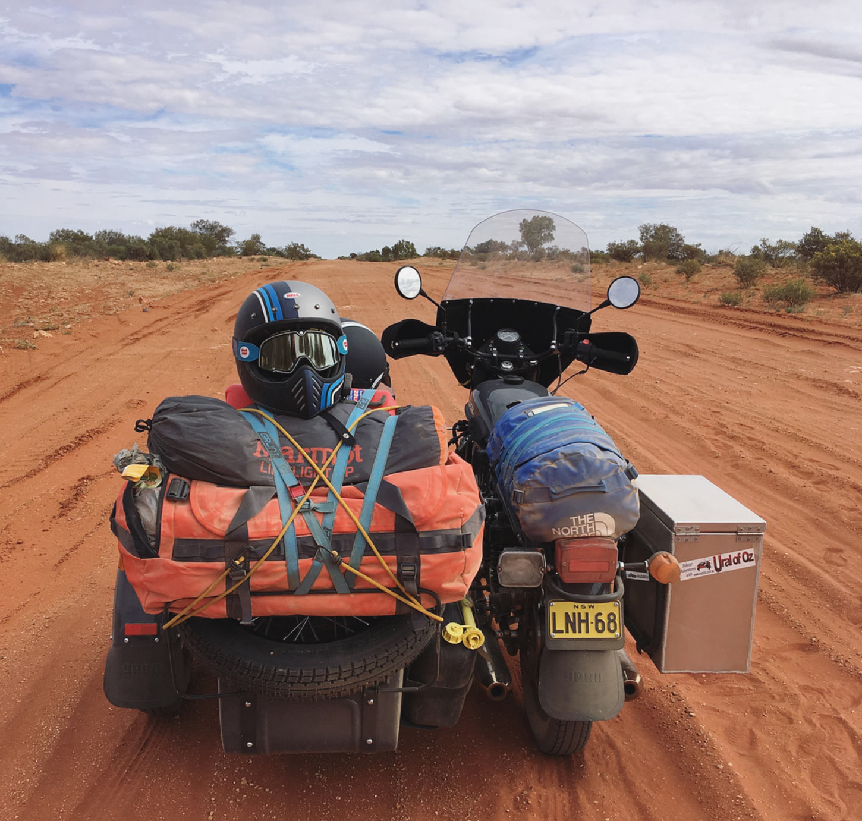 motonomadic-ural-sidecar-packed.jpg