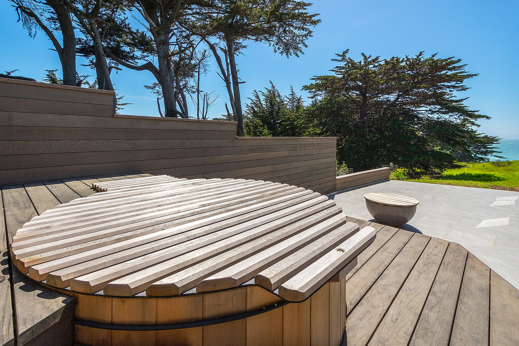 Hot Tub with Custom Roll-up Cover
