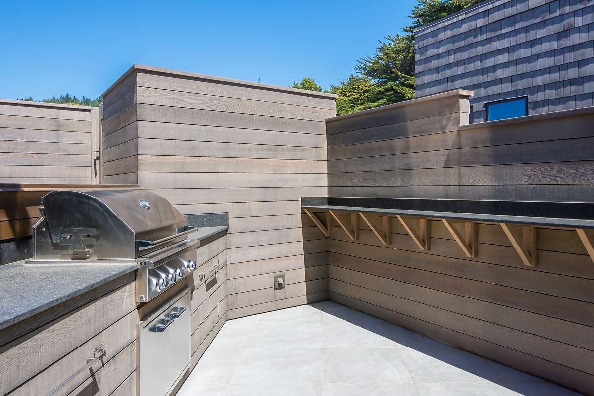 Outdoor BBQ Stand-up Granite Bar