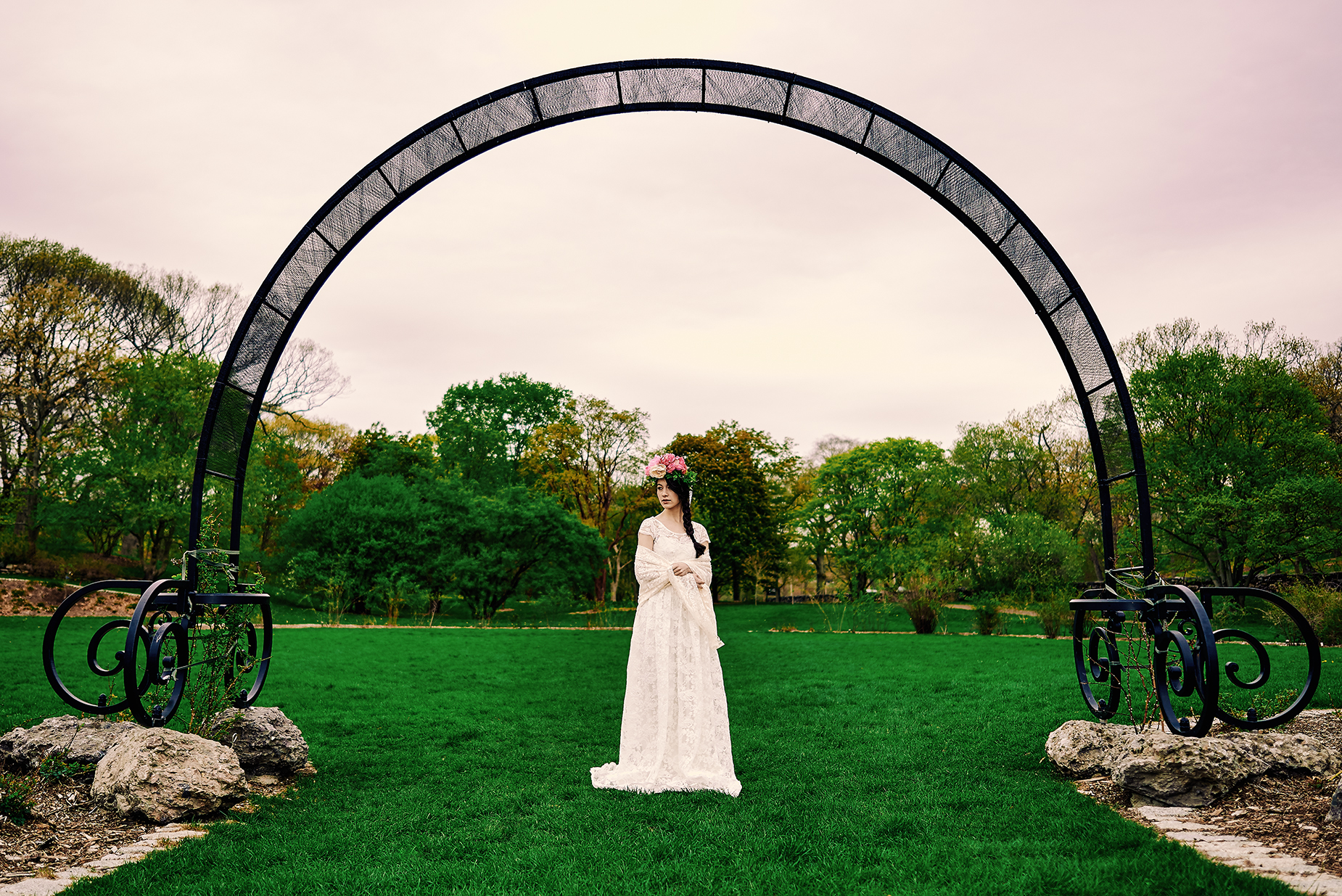 boston-wedding-photographer-bride-at-arnold-arboretum.jpg