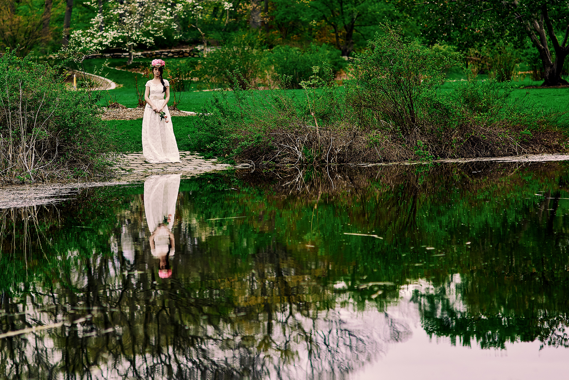 bridal-photography-in-park-wedding-inspo.jpg