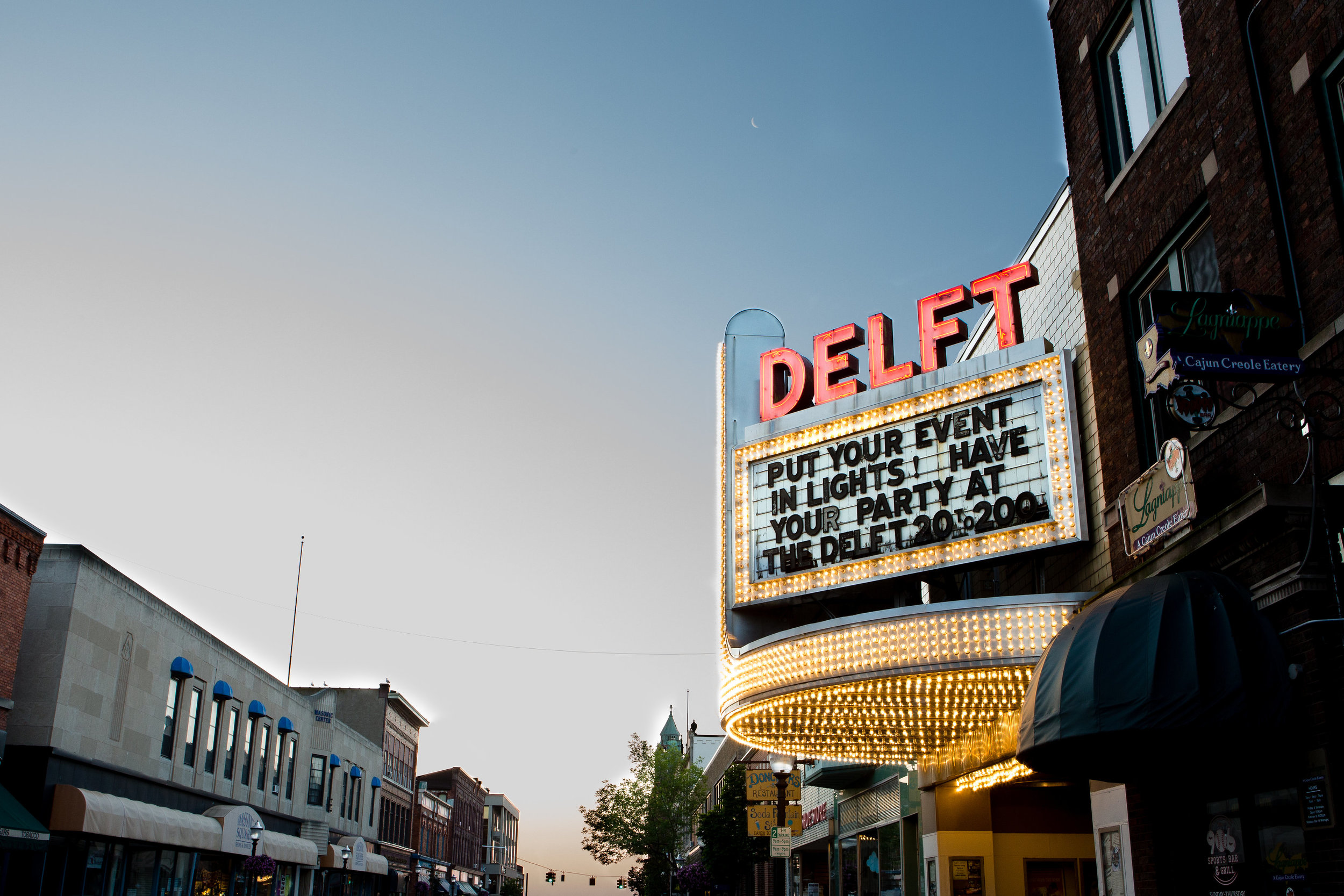 Deflt-Bistro-Marquette-MI-Vafa-Photo-616.jpg