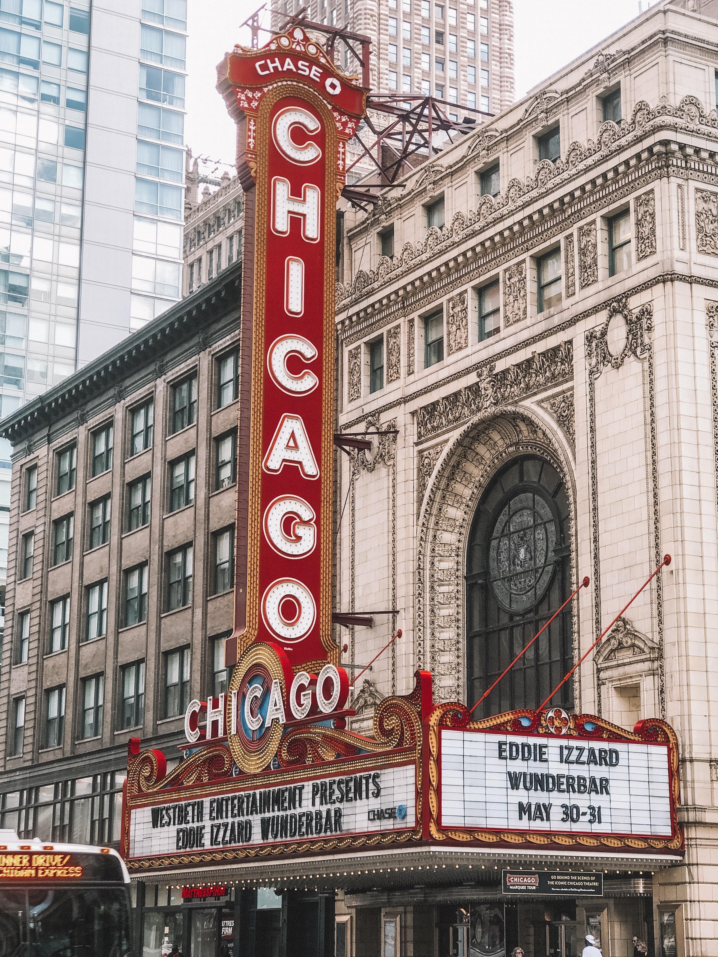 ella-talei-chicago-theatre.JPG