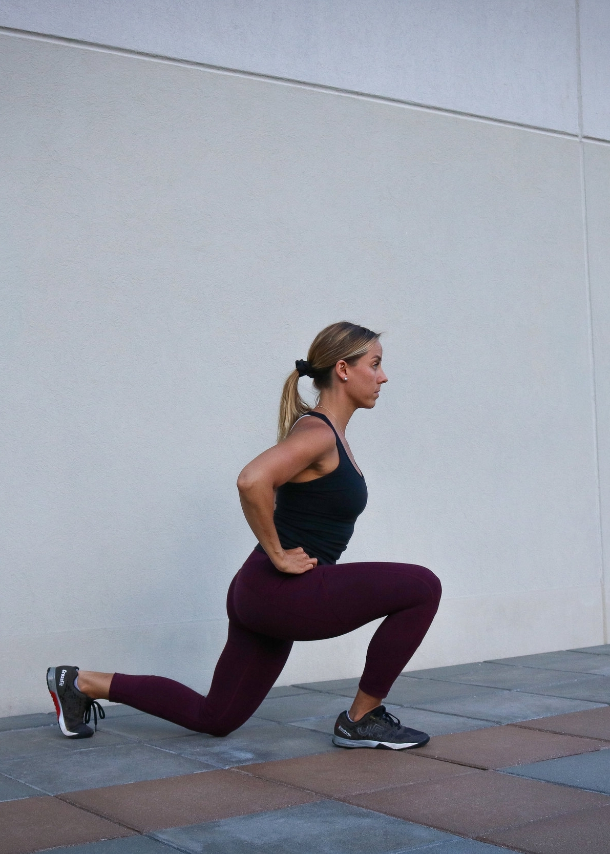 Bottom position of the lunge