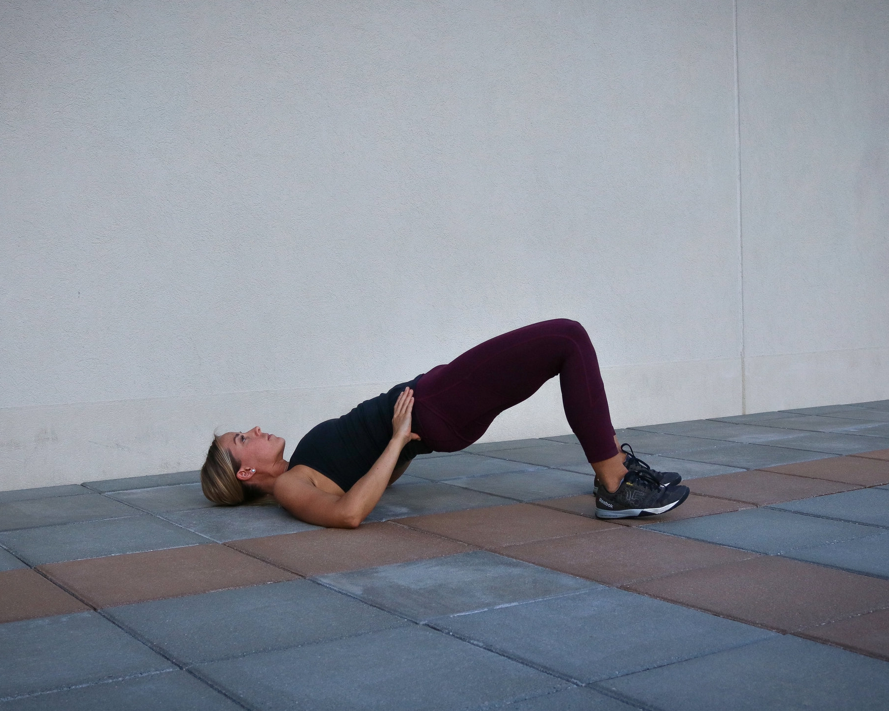 Top of the movement - notice that neutral spine and engaged core to prevent arching