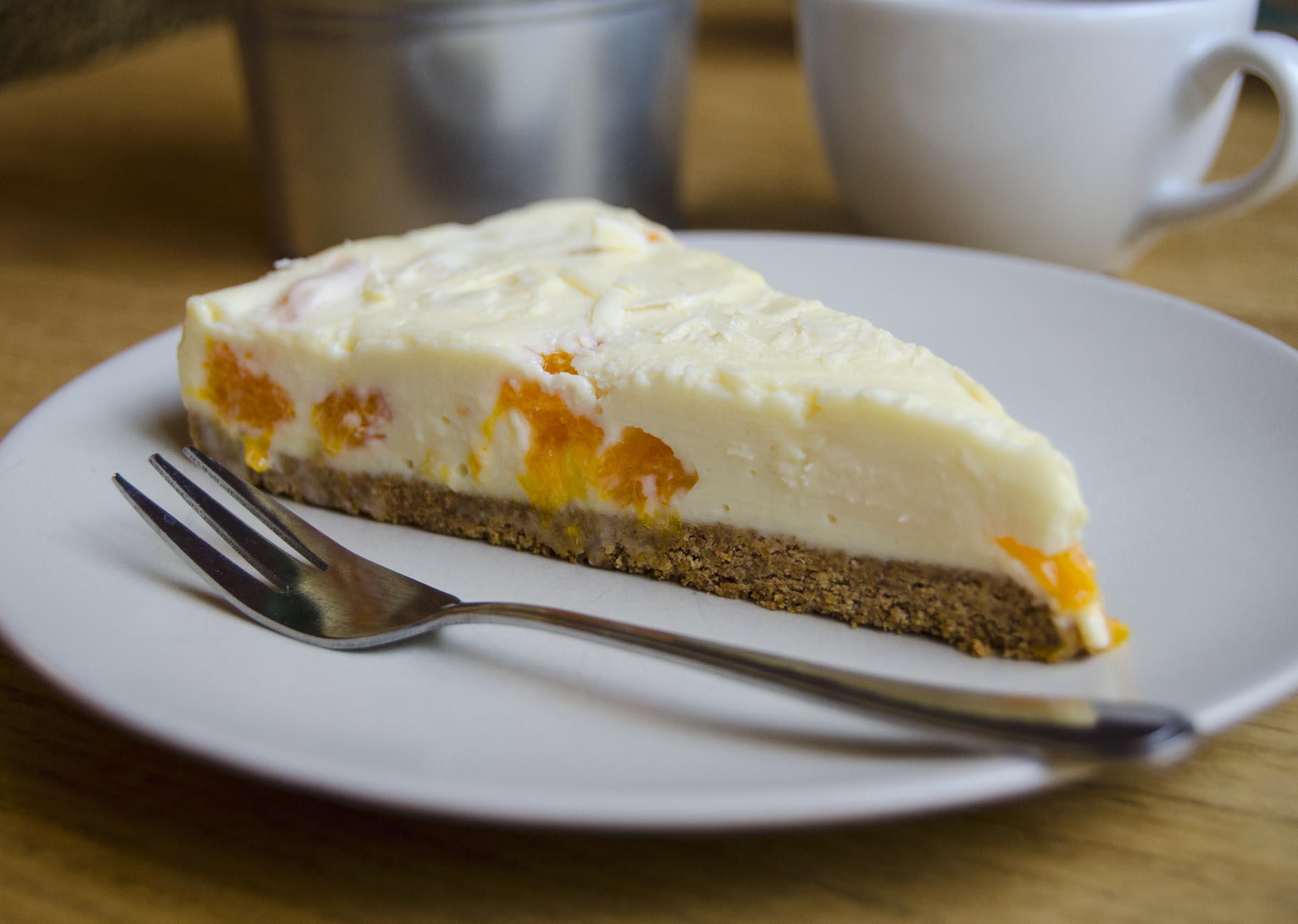 cake 4 lr.jpg
