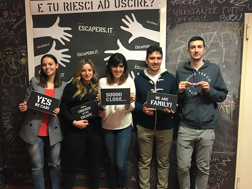2-Escapers-escape-room-milano-il-laboratorio-fotografico-infestato-classifica-casting-tagliatesta.jpg