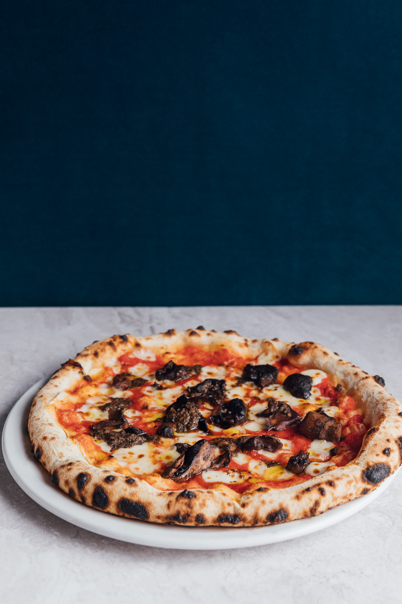 Wood Fired Funghi Pizza at The Beech House pub and restaurant in Amersham Buckinghamshire.jpg