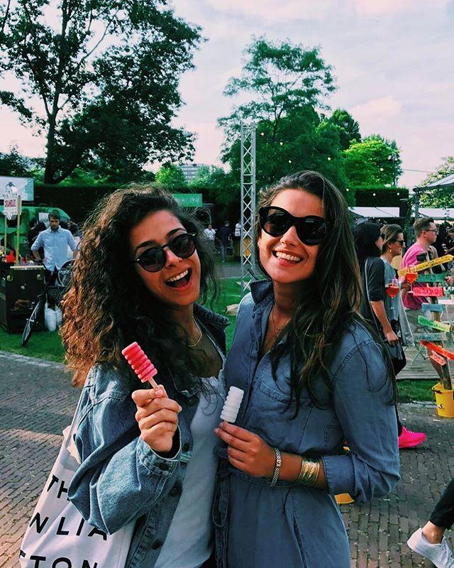 Ijs, zon en je zonnebril! De perfecte combinatie ✨. • • • #cocktailpop #cocktailijs #iceicebaby #ginicetime #hauislife #frozencocktails #gintonicice #frozendrinks #opeenstokje #frozenonastick #summerofhau