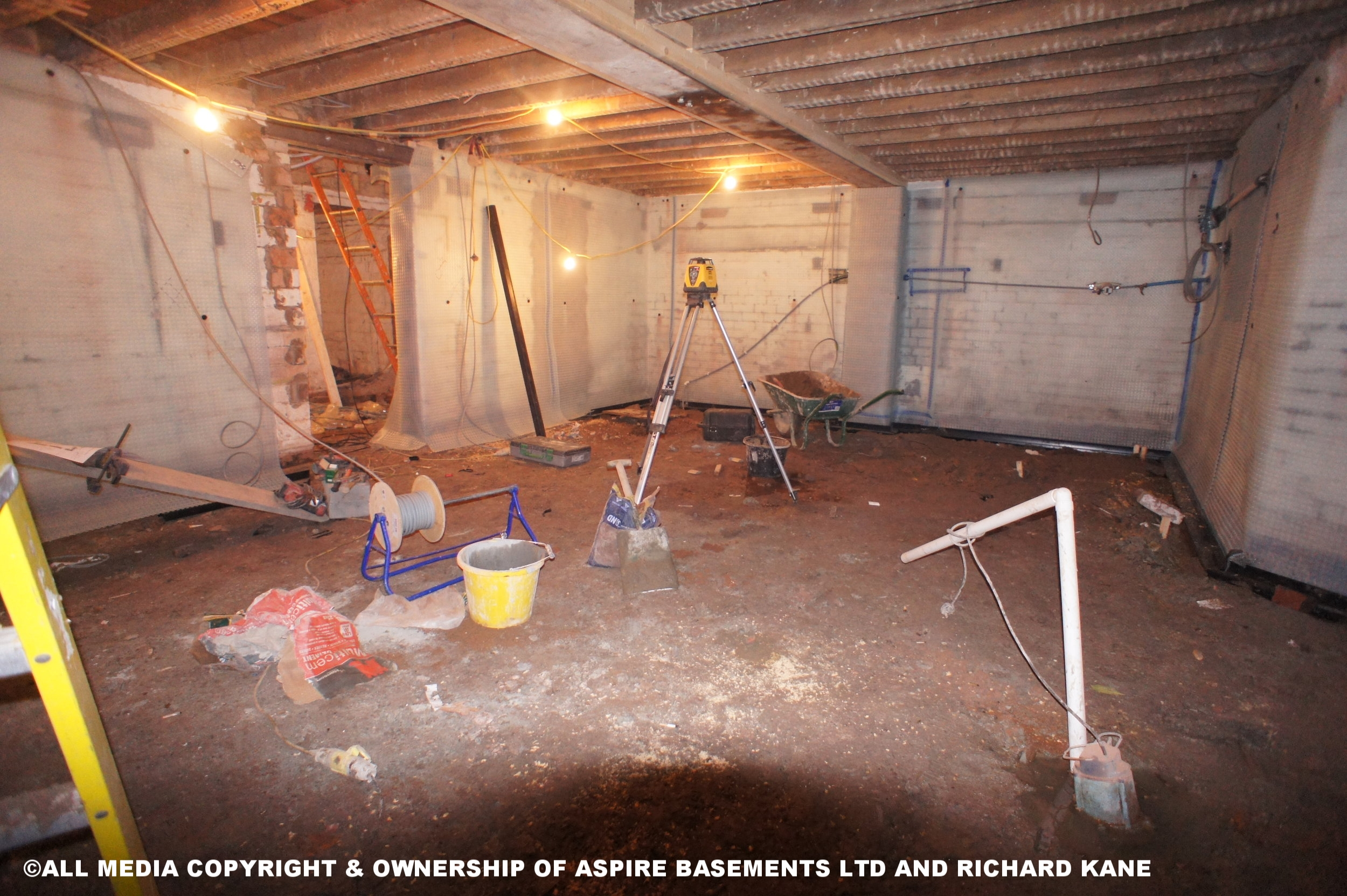 Beauchamp Ave Before sati basement and other pics 419.JPG