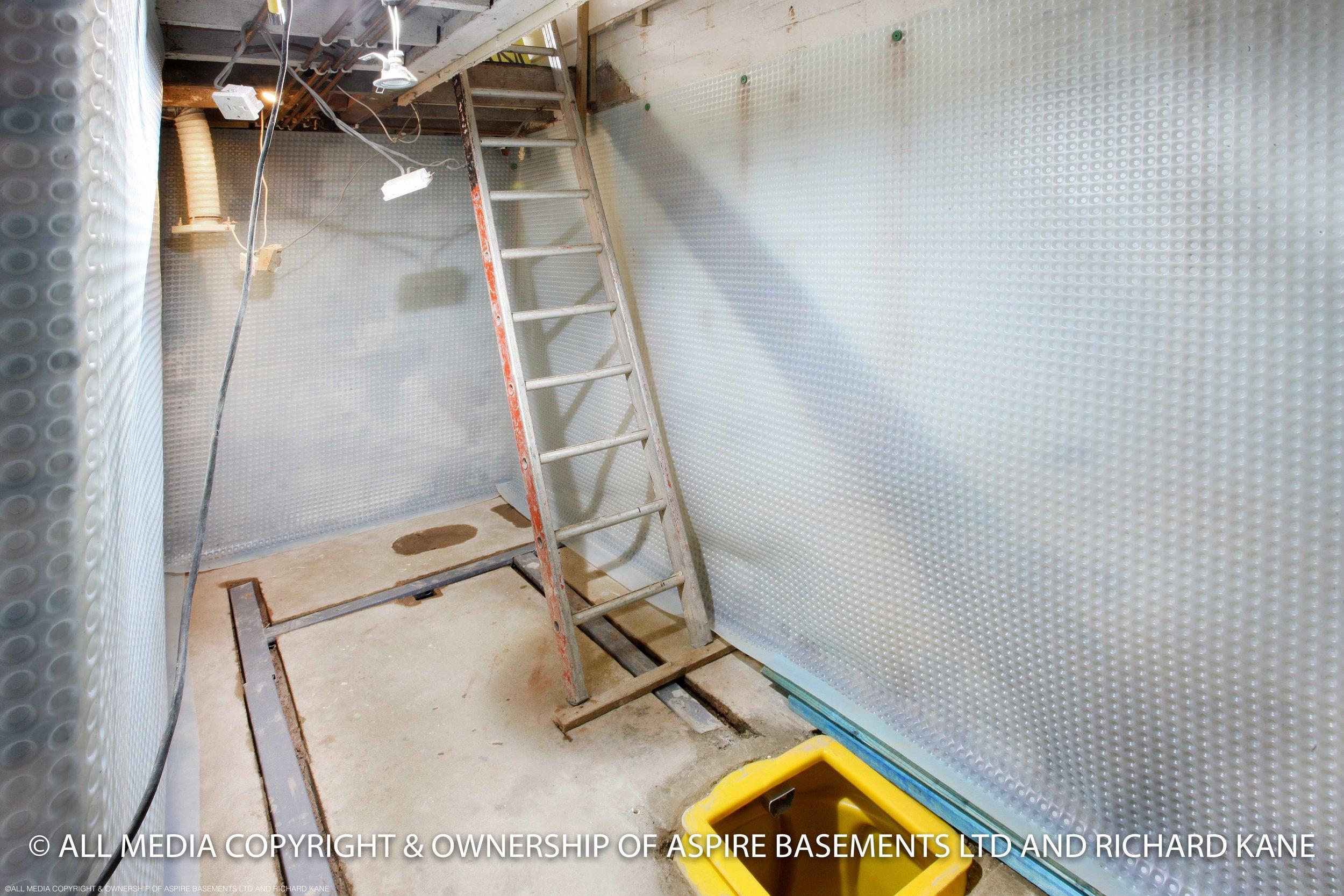 Bathroom Staircase Waller B .jpg