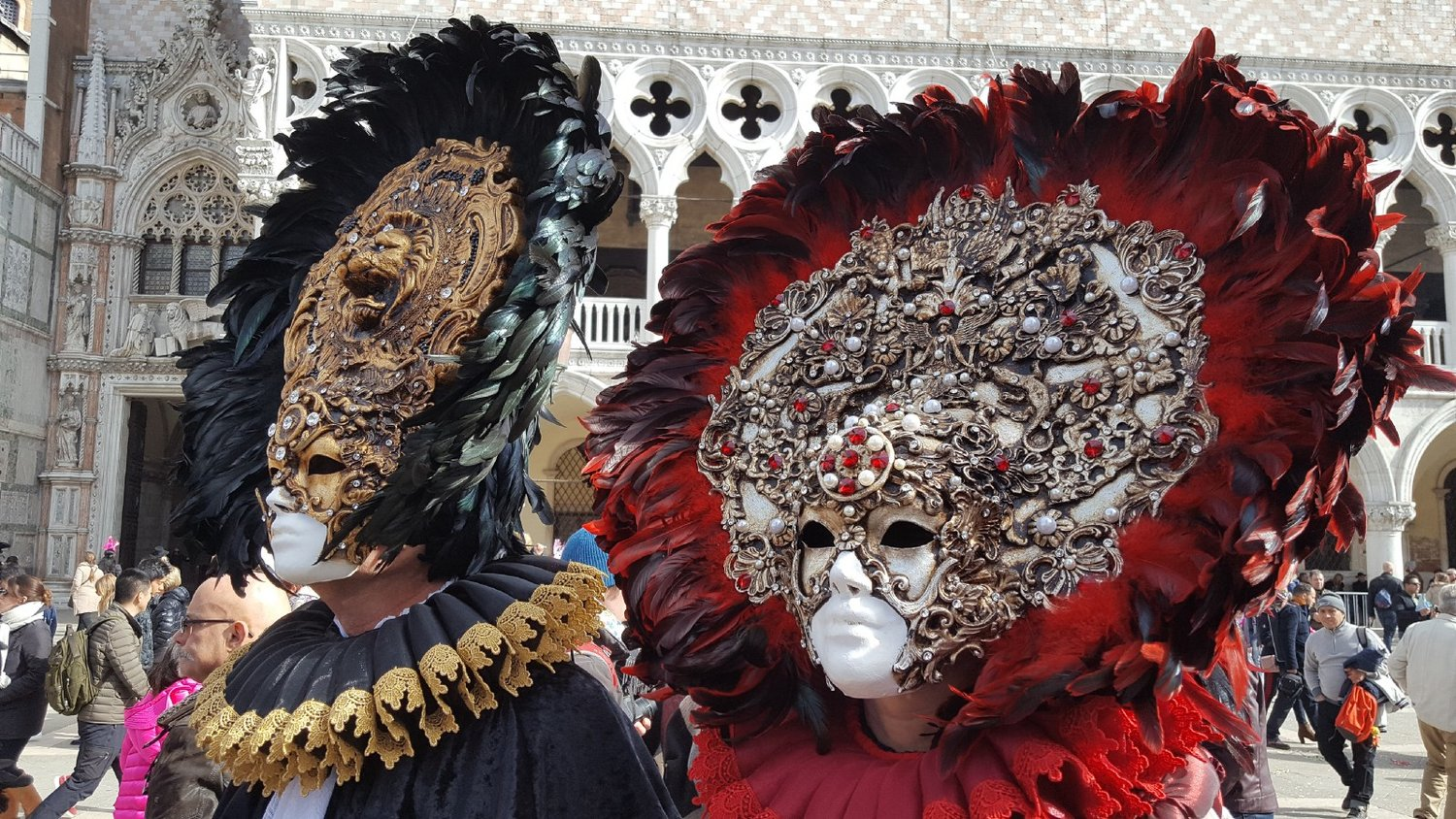 Beautiful masks in one of the famous squares of Venice. Credit: I'm|Possible, during our last incentive tours in Venice.