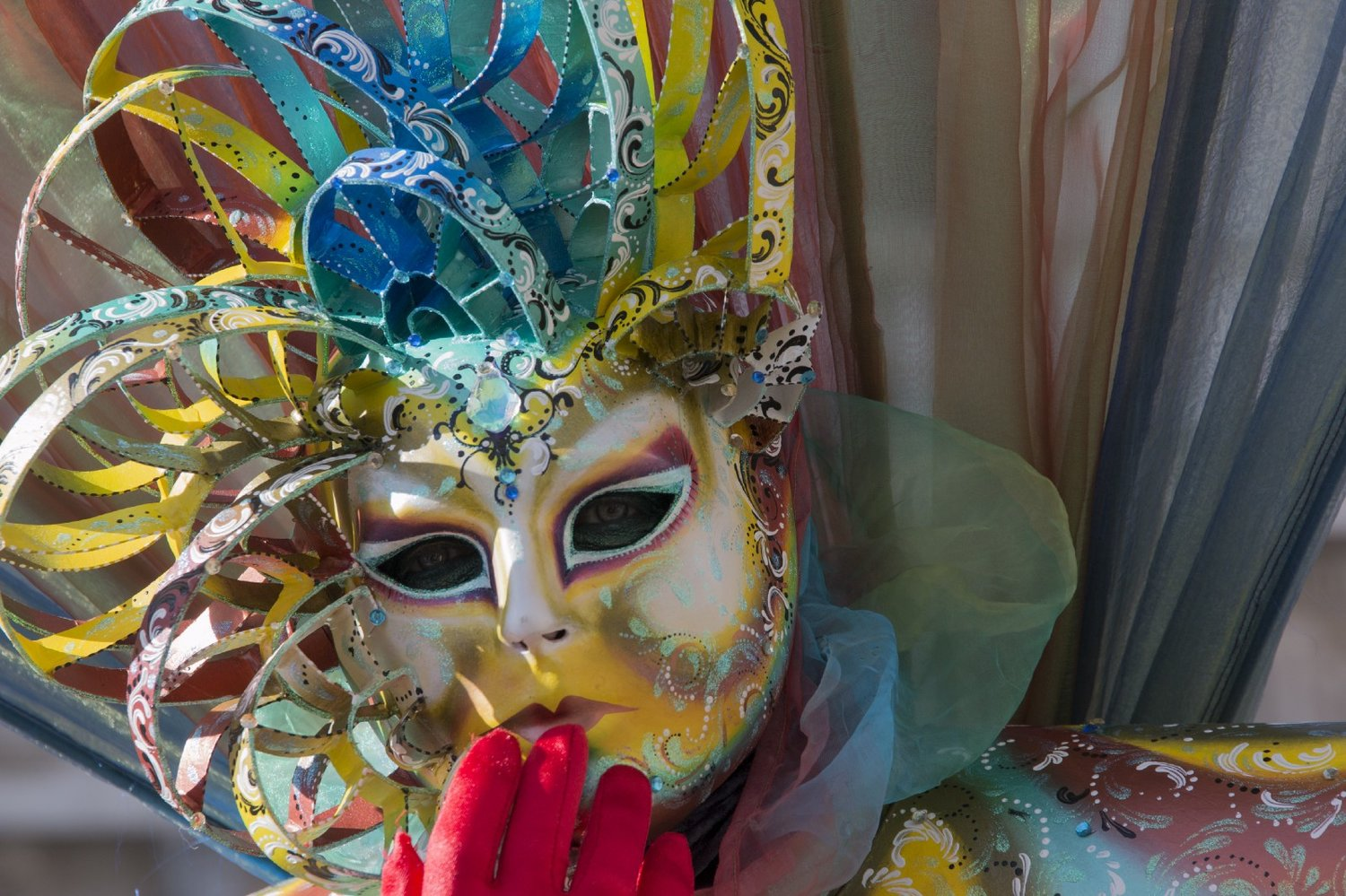 An intriguing mask ready to capture you in Venice Carnival panthomime! Credit: I'm|Possible.