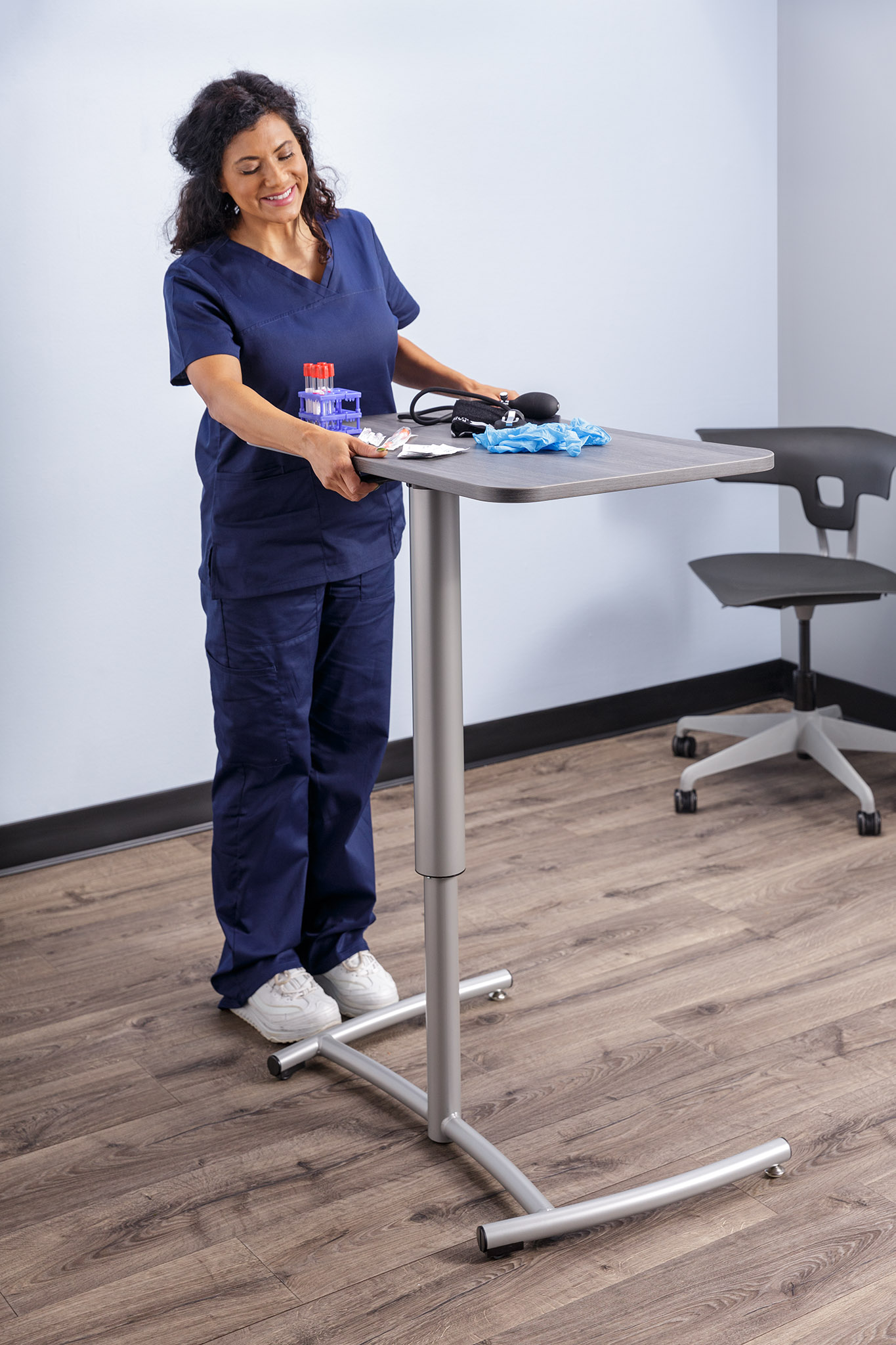 Ruckus Desk_Healthcare.jpg