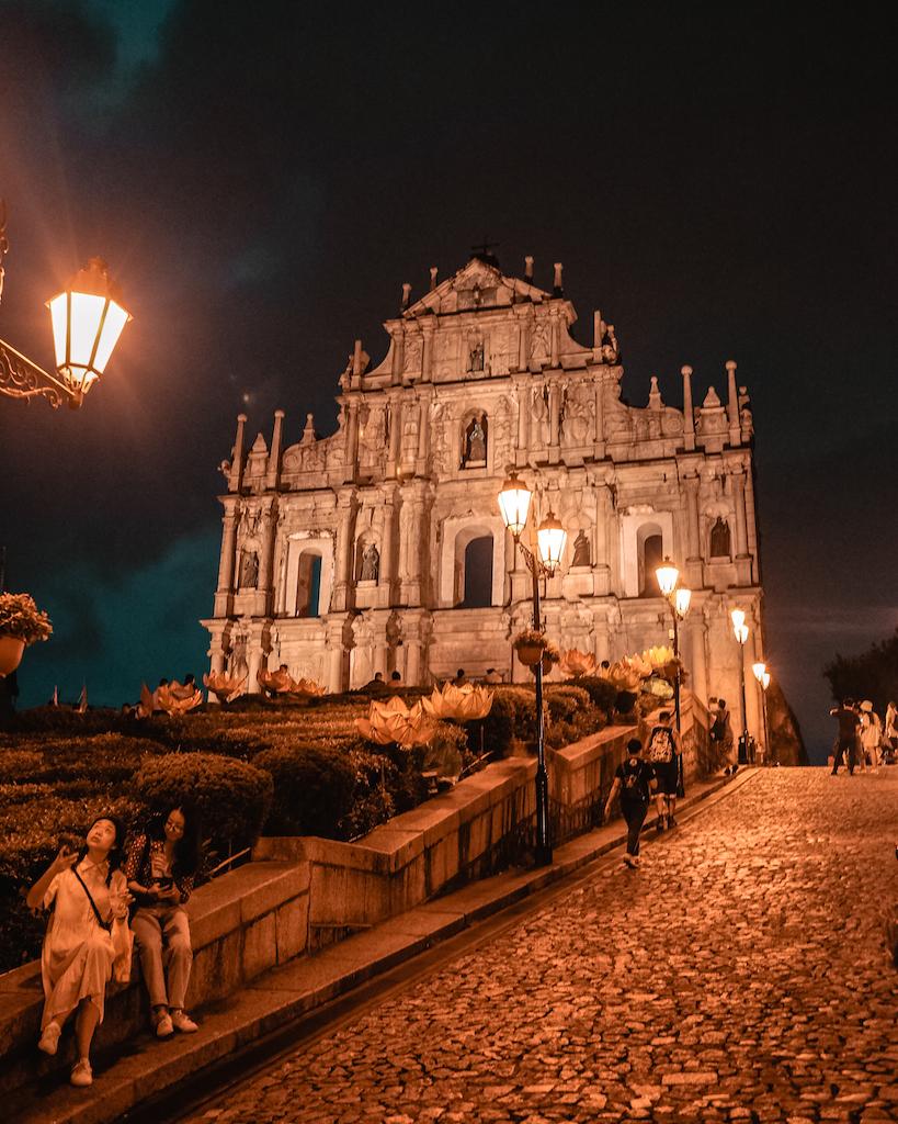 Hong Kong and Macau Guide 3