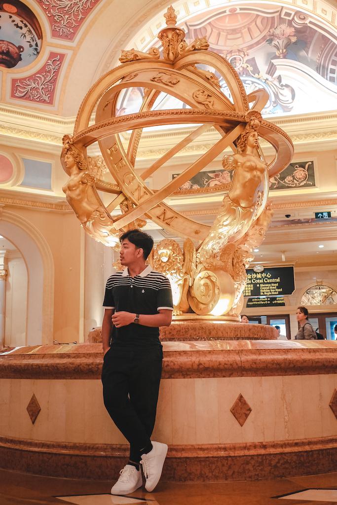 Hong Kong and Macau Guide 9.4