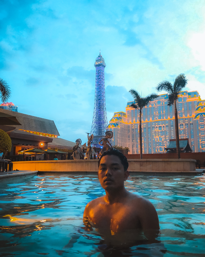 Hong Kong and Macau Guide 10.2