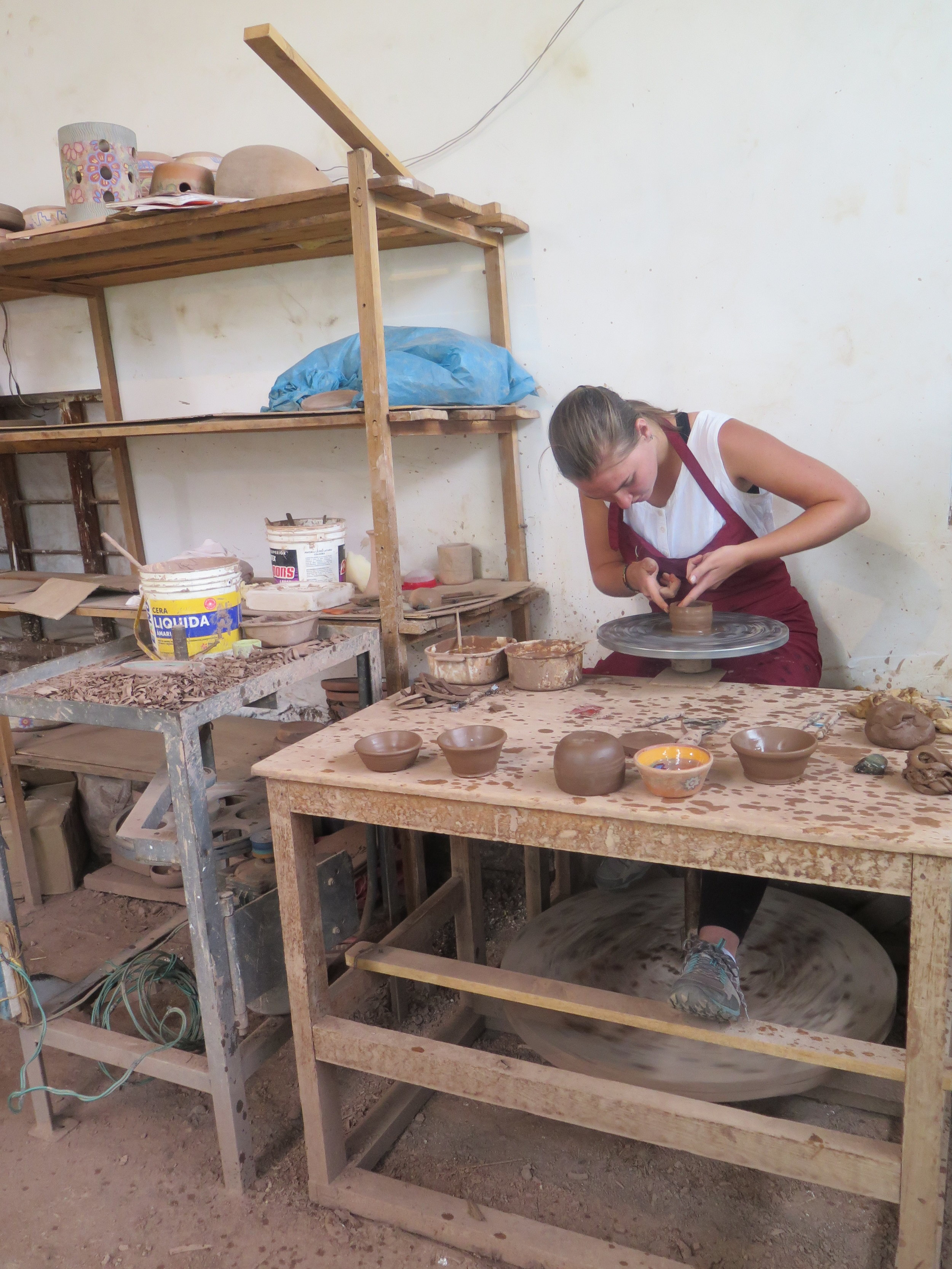 This afternoon we have the opportunity to experience some workshops. The ceremics demonstration is a hands-on experience where we learn local traditonal techniques and the opportunity to see some of the finished products by local potter Bernadino. -