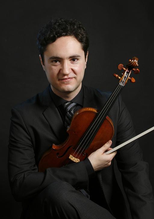 Joshua Peckins violinist