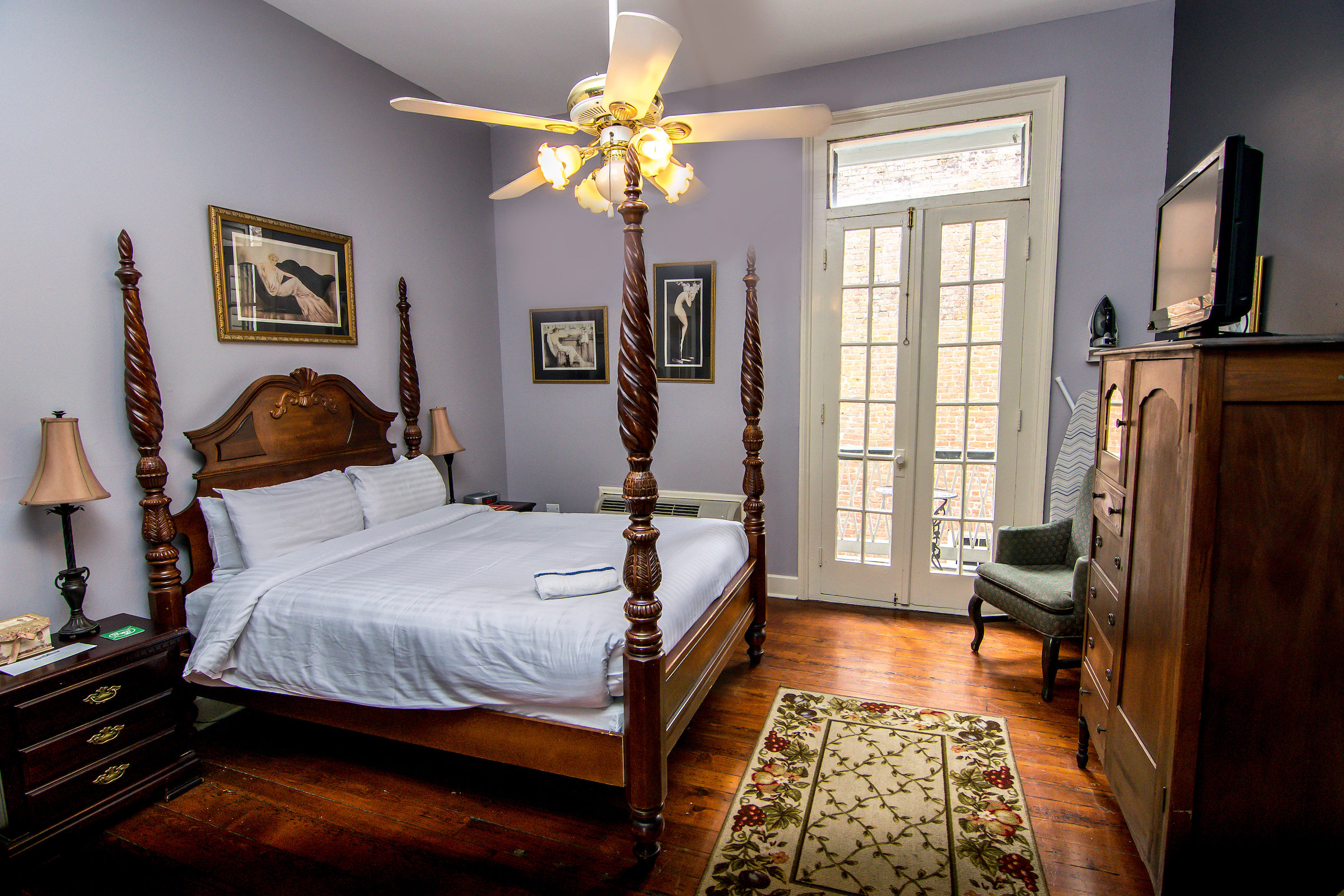 Superior Queen  MAKE YOUR STAY EVEN BETTERFROM $179 A NIGHT >    View Details