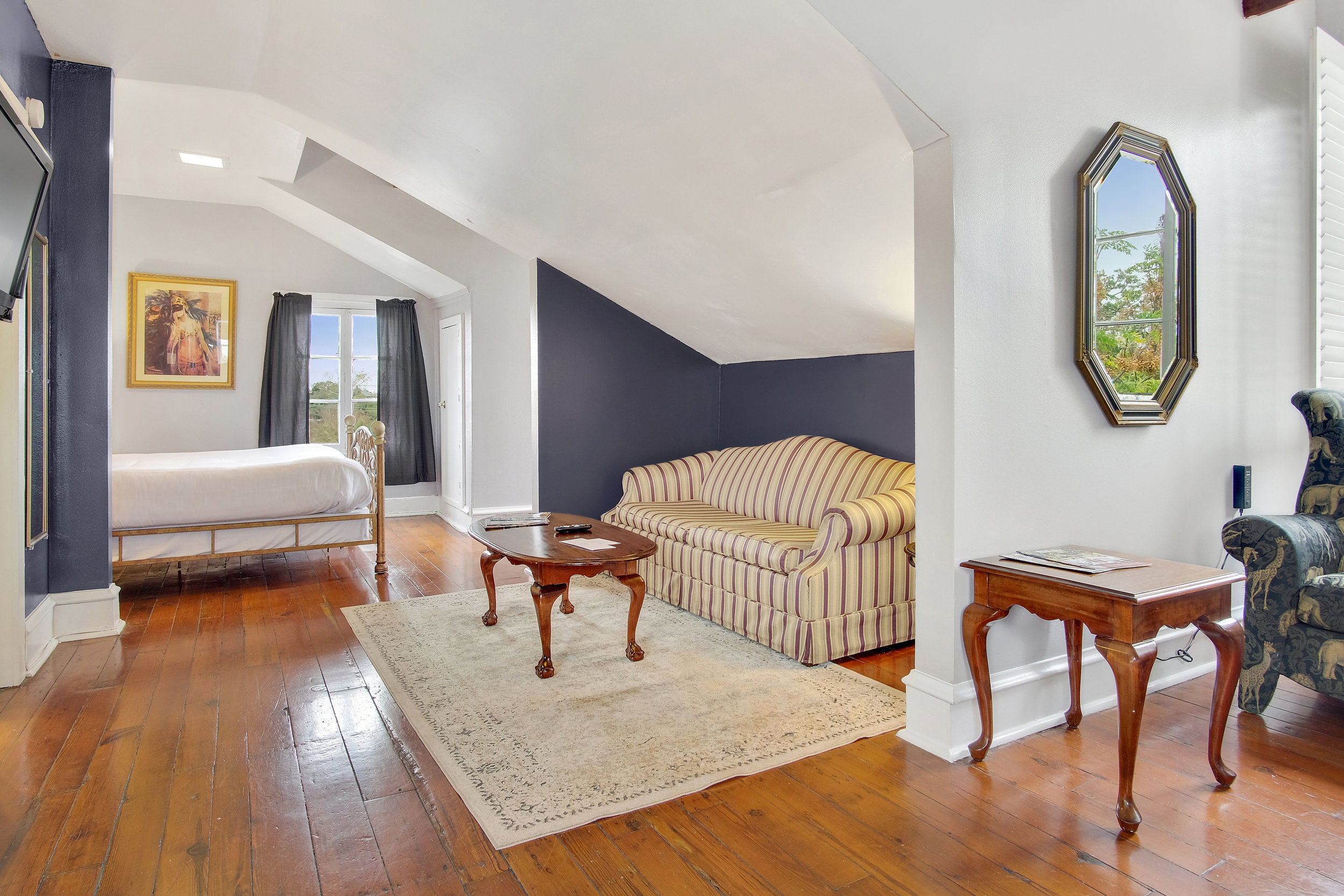 queen and twin bed suite on 3rd floor of Mansion
