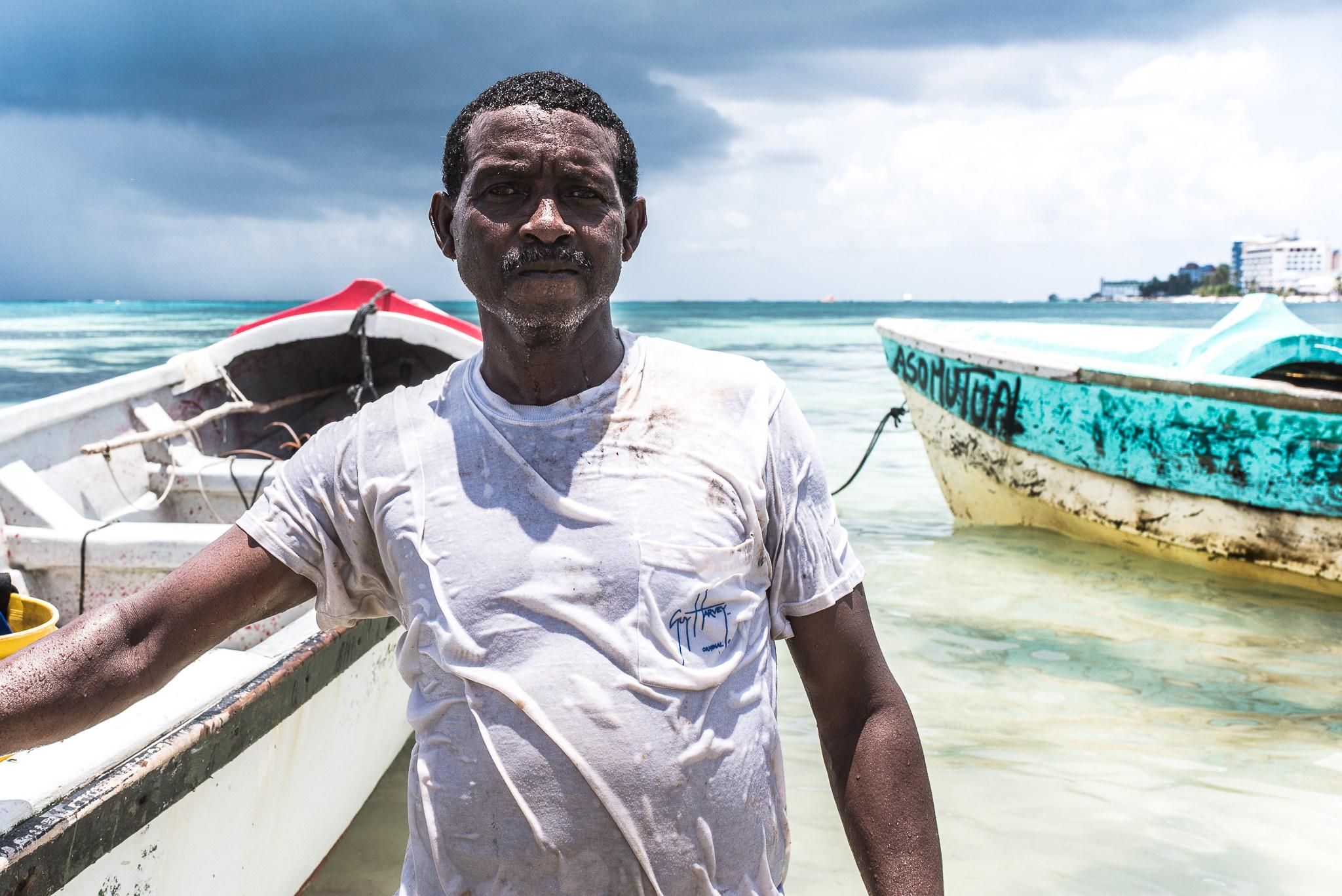 barco_sai_sanandres_colombia_caribe_fisherman_haya_sky_blue_isla_island_00006.jpg
