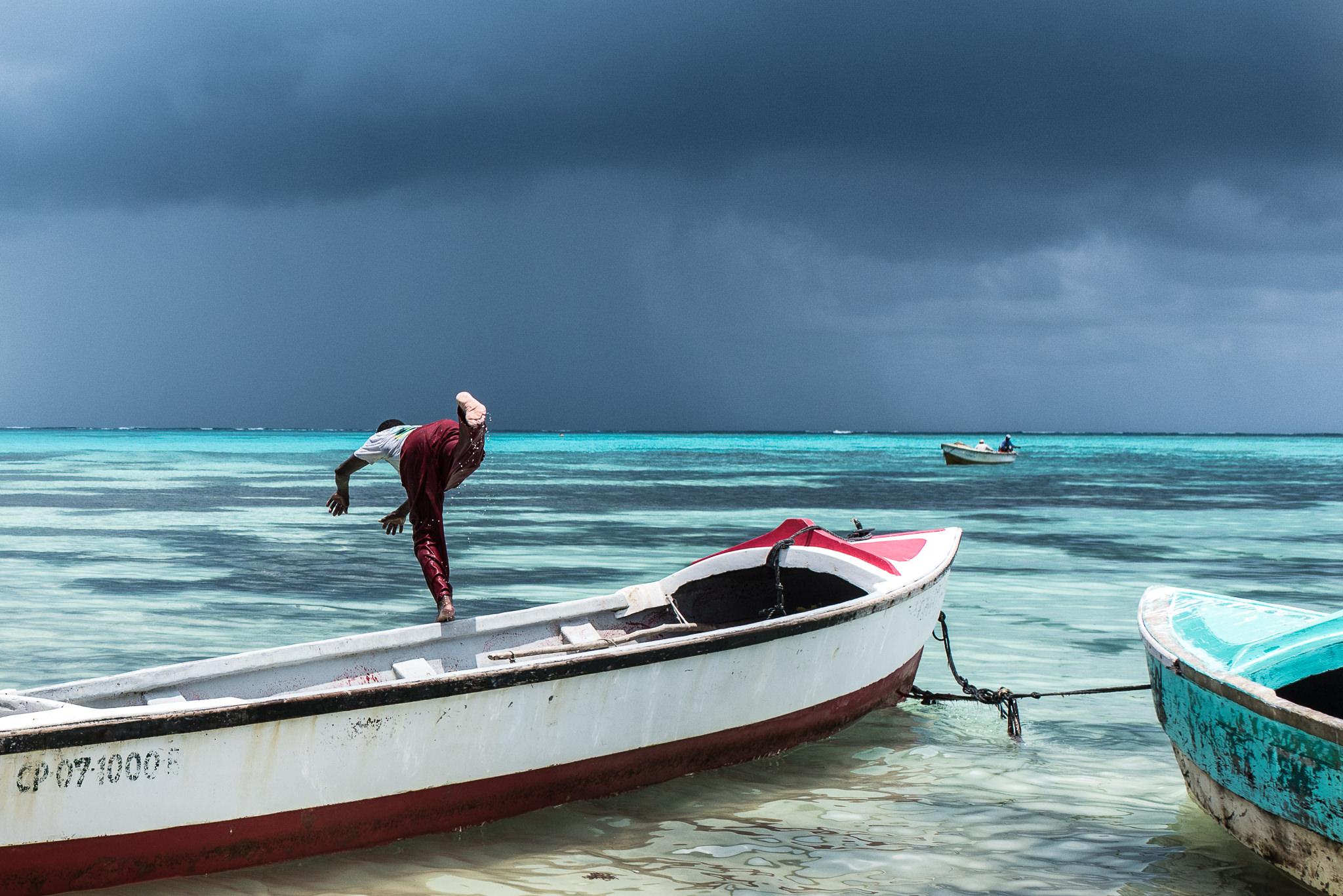 barco_sai_sanandres_colombia_caribe_fisherman_haya_sky_blue_isla_island_00010.jpg