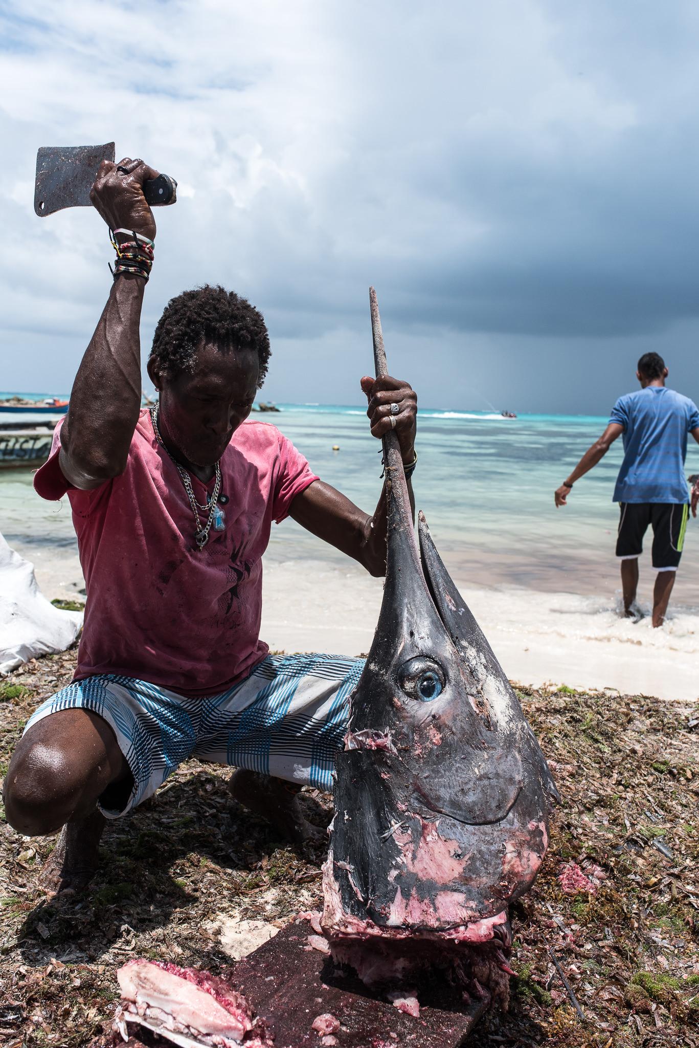 barco_sai_sanandres_colombia_caribe_fisherman_haya_sky_blue_isla_island_00013.jpg
