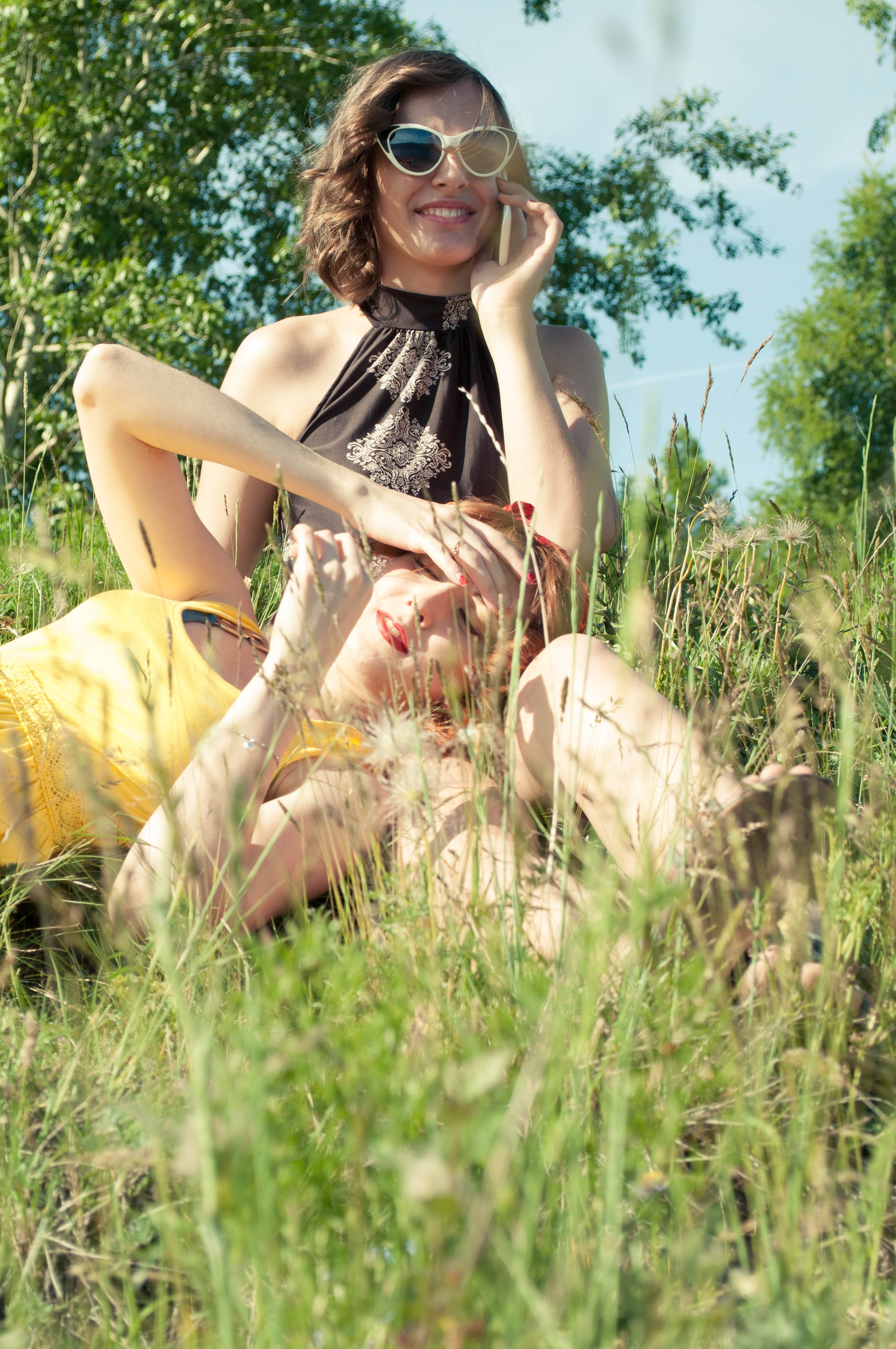 girls-380619.jpg