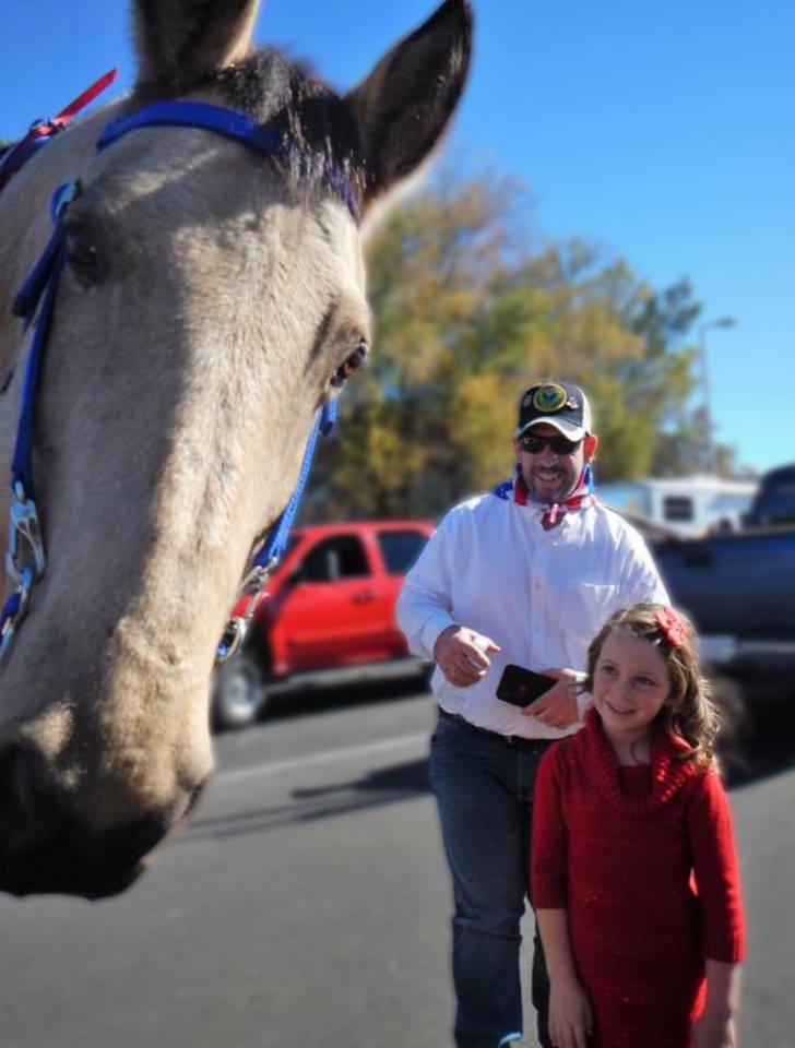 Veteran Kevin Zieran, daughter Johanna, and Dakota the horse -