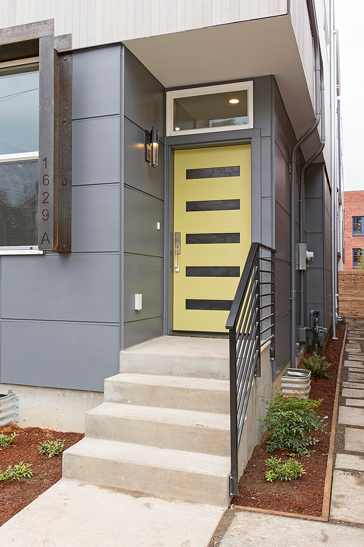 05 front entry 1-1.jpg