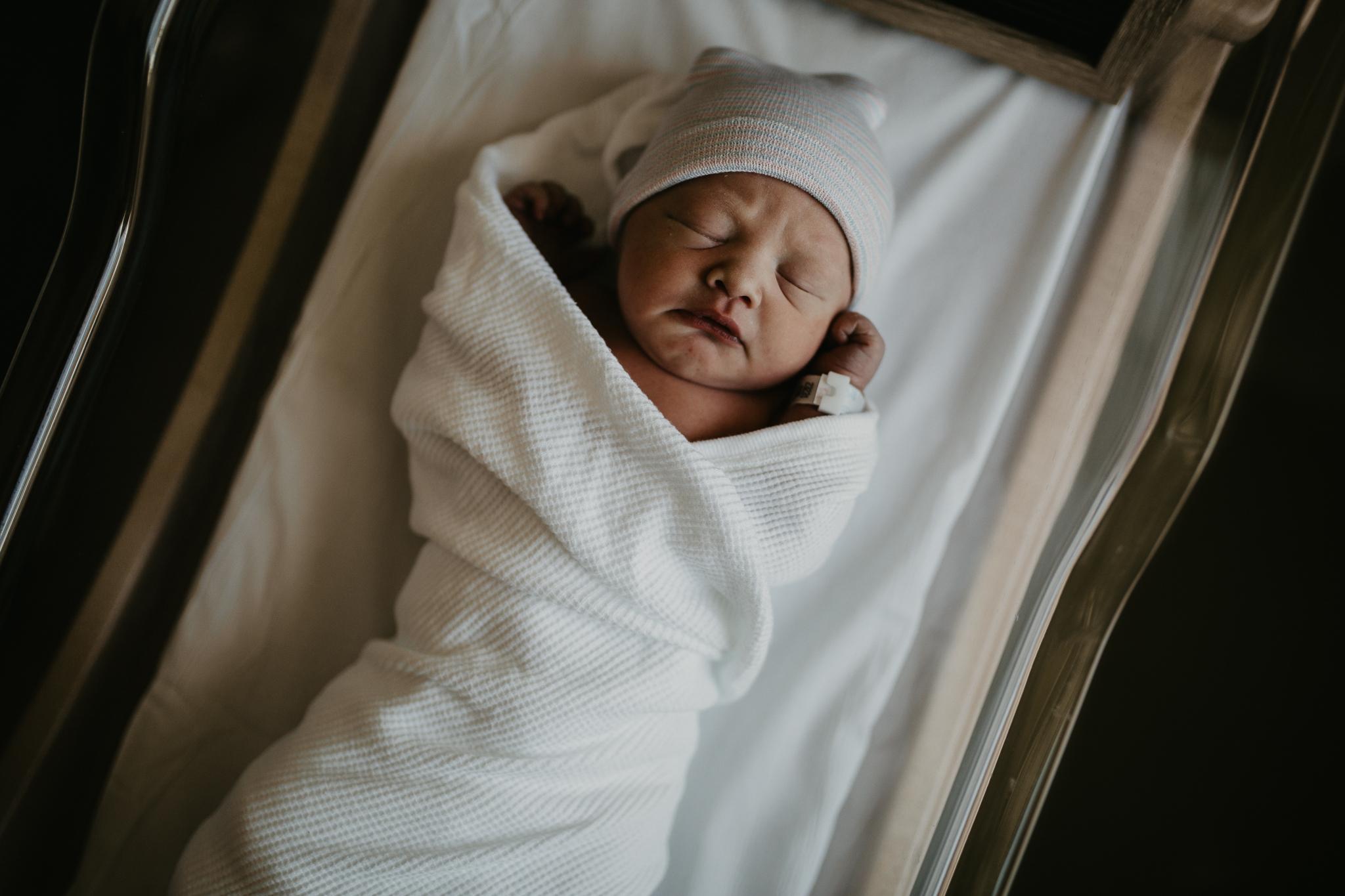 Fresh-48-newborn-photographer