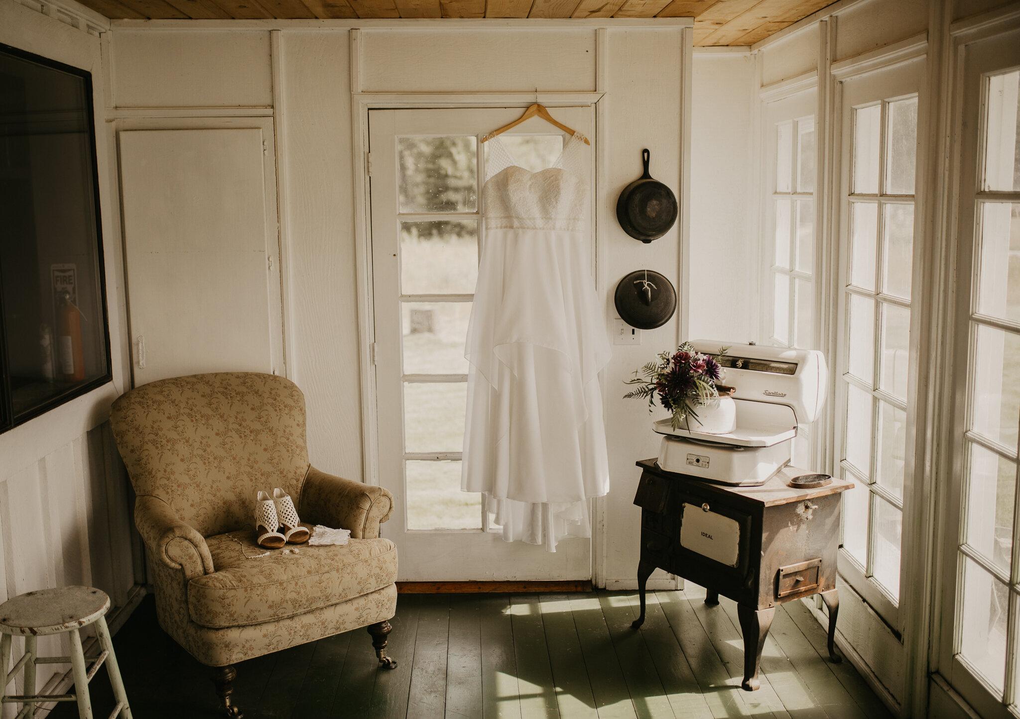 gown-ceremony-coeurdalene-idaho.jpg