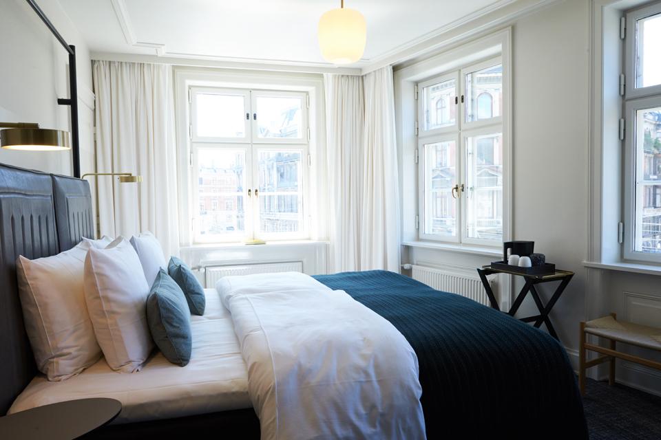 Hotel-Danmark-Superior-Double-Room-9.jpg
