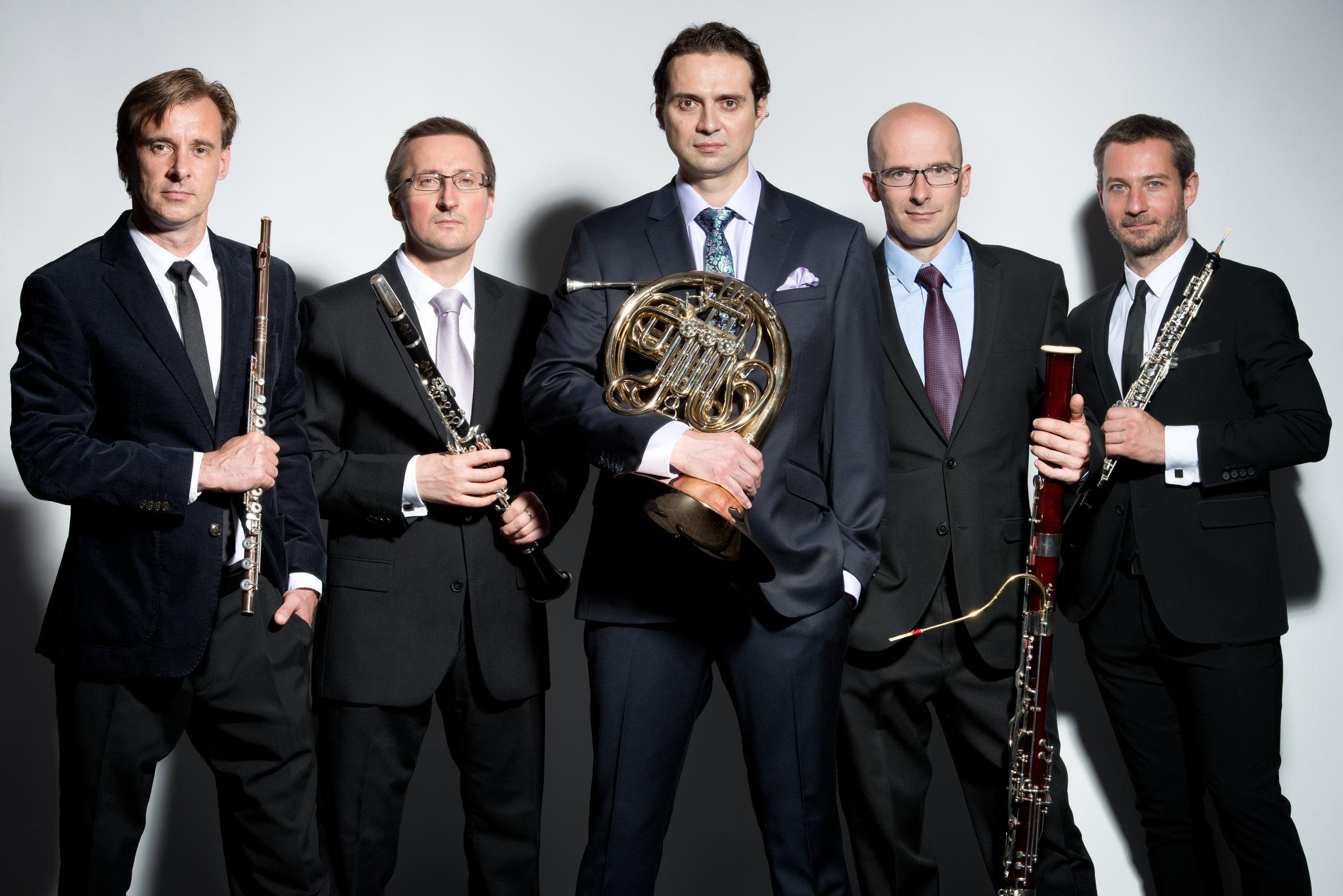 Wind Quintet v obleku.jpg