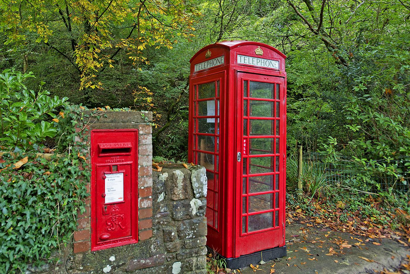 4.   UK Telephone Booth & mailbox.jpg